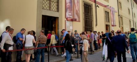 Comment ne plus faire la queue pour les musées de Florence?
