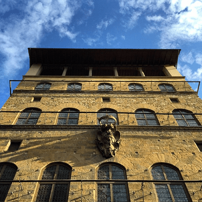 Palazzo Davanzati facade ensoleillee